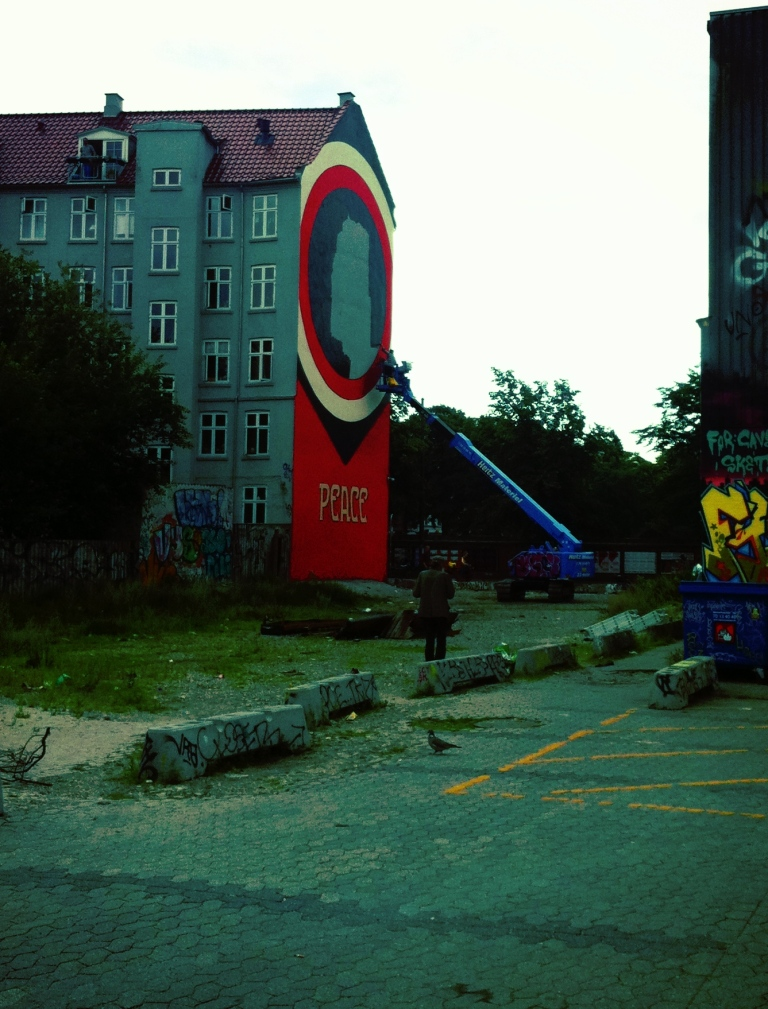 Shepard Fairey, graffiti work, streetart in Copenhagen Denmark, Peace 69